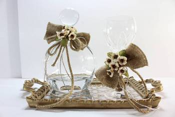 Set oval decanter with brown flower and burlap