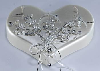 Καρδιά λευκή κλασική στολισμένη 24x13x5 cm