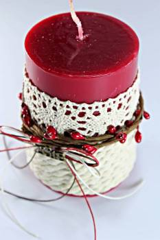 6.5*10 κόκκινο glossy αρωματικό με κλαδάκι γκι