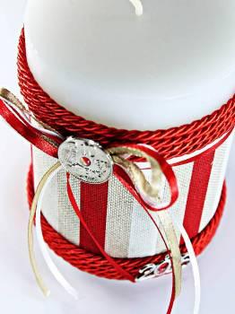 8*10 λευκό με ριγέ ύφασμα & κόκκινο κορδονάκι