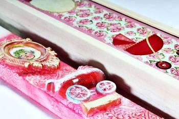 18Χ054 Ροζ κορνίζα σετ με ξύλινο κουτί