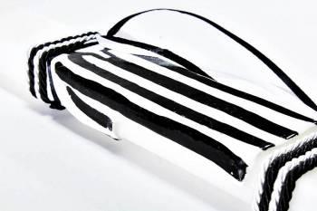 Πασχαλινή λαμπάδα 18Χ059 Άσπρο - μαύρο φανέλα