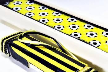 Πασχαλινή λαμπάδα 18Χ061 Κίτρινο - μαύρο φανέλα σετ 28x7cm