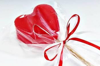 Πασχαλινή λαμπάδα Καρδιά γλειφιτζούρι 5.5x6X3.5cm