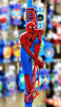Πλακέτα σε λαμπάδα άνθρωπος αράχνη 36εκ