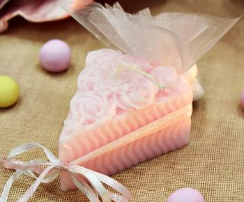 Κέρινο κομμάτι τούρτας - λουλούδι 7.5*6*4 cm