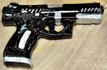 Πασχαλινή λαμπάδα Πιστόλι Big 20x13.5X2.5cm