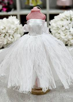 20Β002 Φόρεμα λευκή δαντέλα