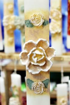 Πασχαλινή λαμπάδα 20ΝΤ011 Τριαντάφυλο 1+2 εκρού Ύψος 25