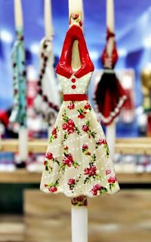 17Φ021 Φλοράλ φόρεμα πάνω σε λαμπάδα