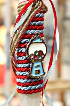 Πασχαλινή λαμπάδα19032 μηχάνημα για καραμέλες γαλάζιο σε κόκκινο γαλάζιο κορδόνι Ύψος 25