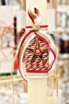 Πασχαλινή λαμπάδα 19065 αστέρι χρυσό με κόκκινο μάτι σε κορδόνι Ύψος 25