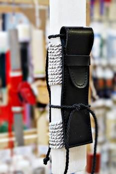 Πασχαλινή λαμπάδα 19Δ001 μαύρη θήκη για στυλό vegan eco leather Ύψος 25