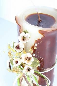 Τυλιχτό αρωματικό κερί με λουλούδια και πεταλούδες 8x20cm