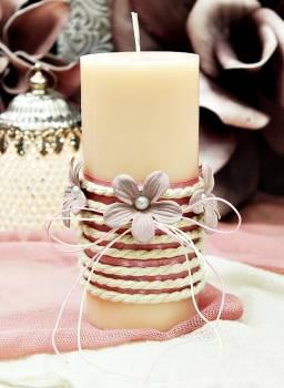 Αρωματικό κερί στολισμένο με κορδόνι και σάπιο μήλο λουλούδια 6.50x15cm