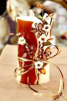 Τυλιχτό αρωματικό κερί με μαργαρίτες, πεταλούδες και κρυσταλλάκια  9x15cm