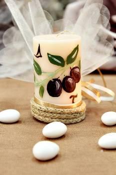 Μπομπονιέρα γάμου κερί με ζωγραφισμένο θέμα ''ελιά'' 4.50x8cm