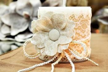 Χειροποίητο διακοσμητικό αρωματικό κερί με λουλούδι από γάζα  10x10cm