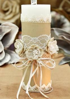 Χειροποίητο διακοσμητικό αρωματικό κερί με λουλούδια από γάζα και δαντέλα 6,50x20cm